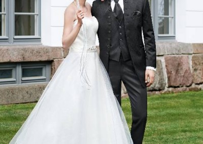 Ilgas vestuvinis kostiumas su 8 sagomis