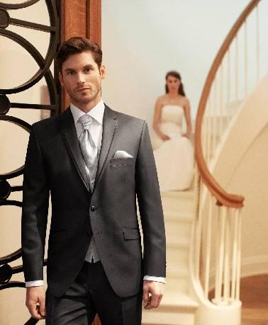 Tamsiai pilkas, dviejų sagų vestuvinis kostiumas