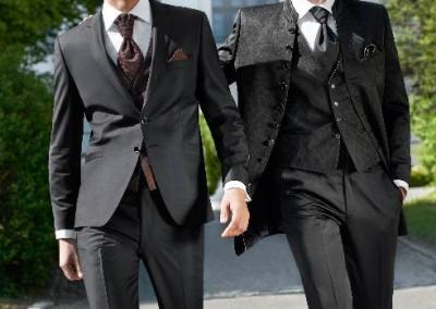 Dviejų sagų, juodas vestuvinis kostiumas